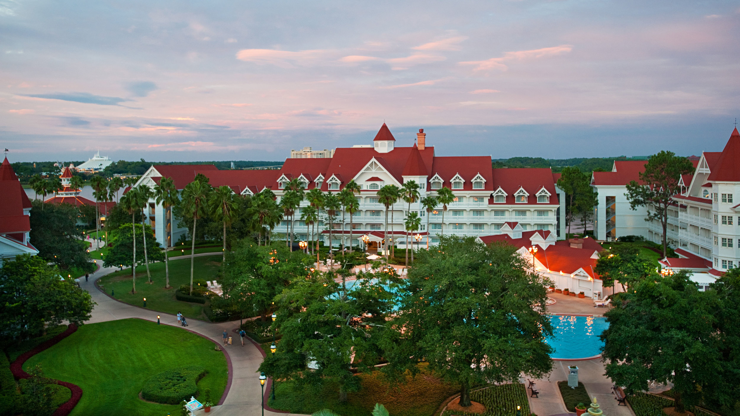 grand-floridian-resort-and-spa-2-bedroom-suite-main-building-club-level-gallery07.jpg
