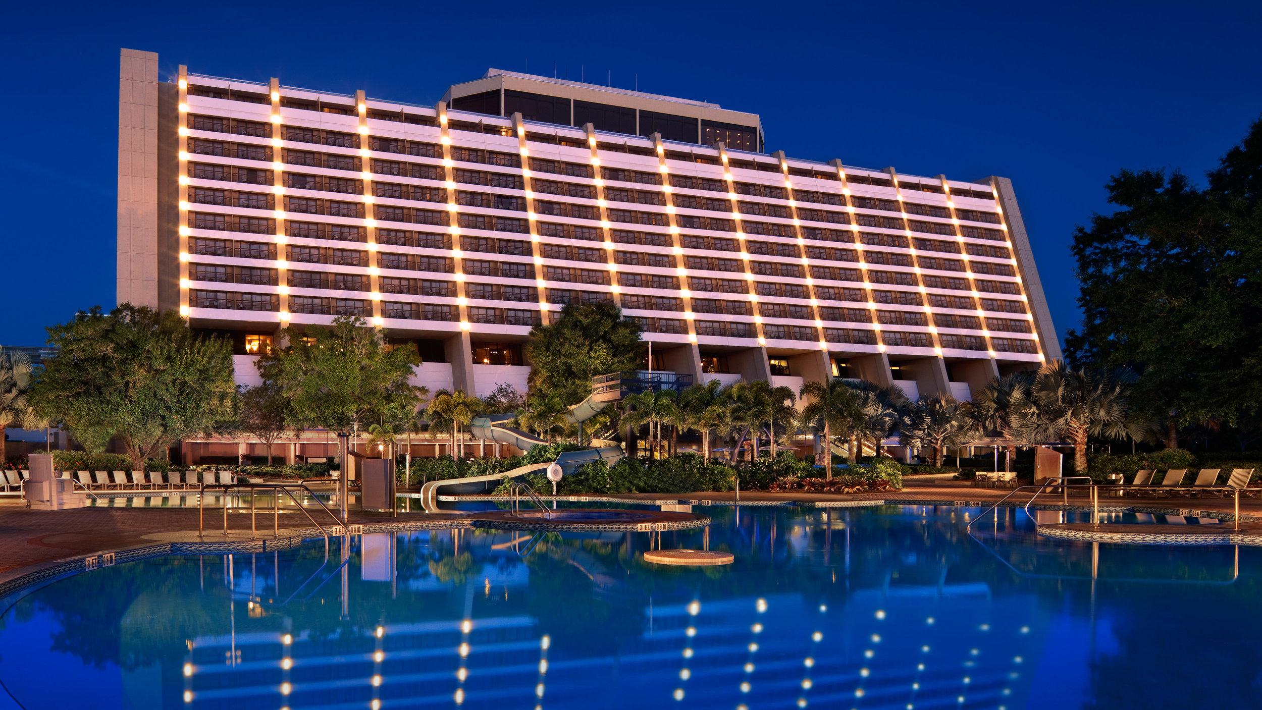 1705115785_contemporary-resort-01.jpg