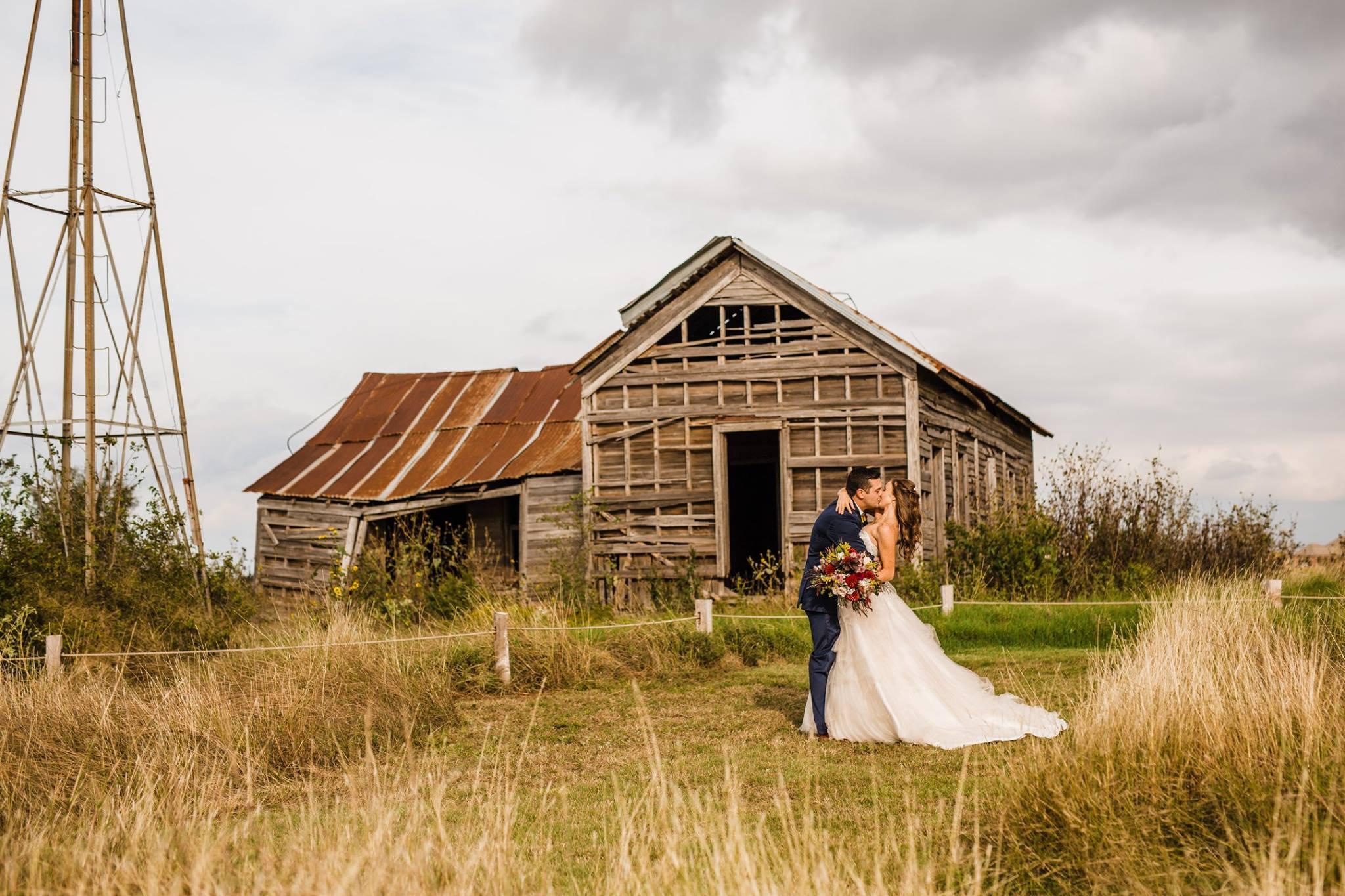 Mcgranahan Barn Wedding Yukon Ok Kellie And Michael Partybox Dj Lighting Photo Booths