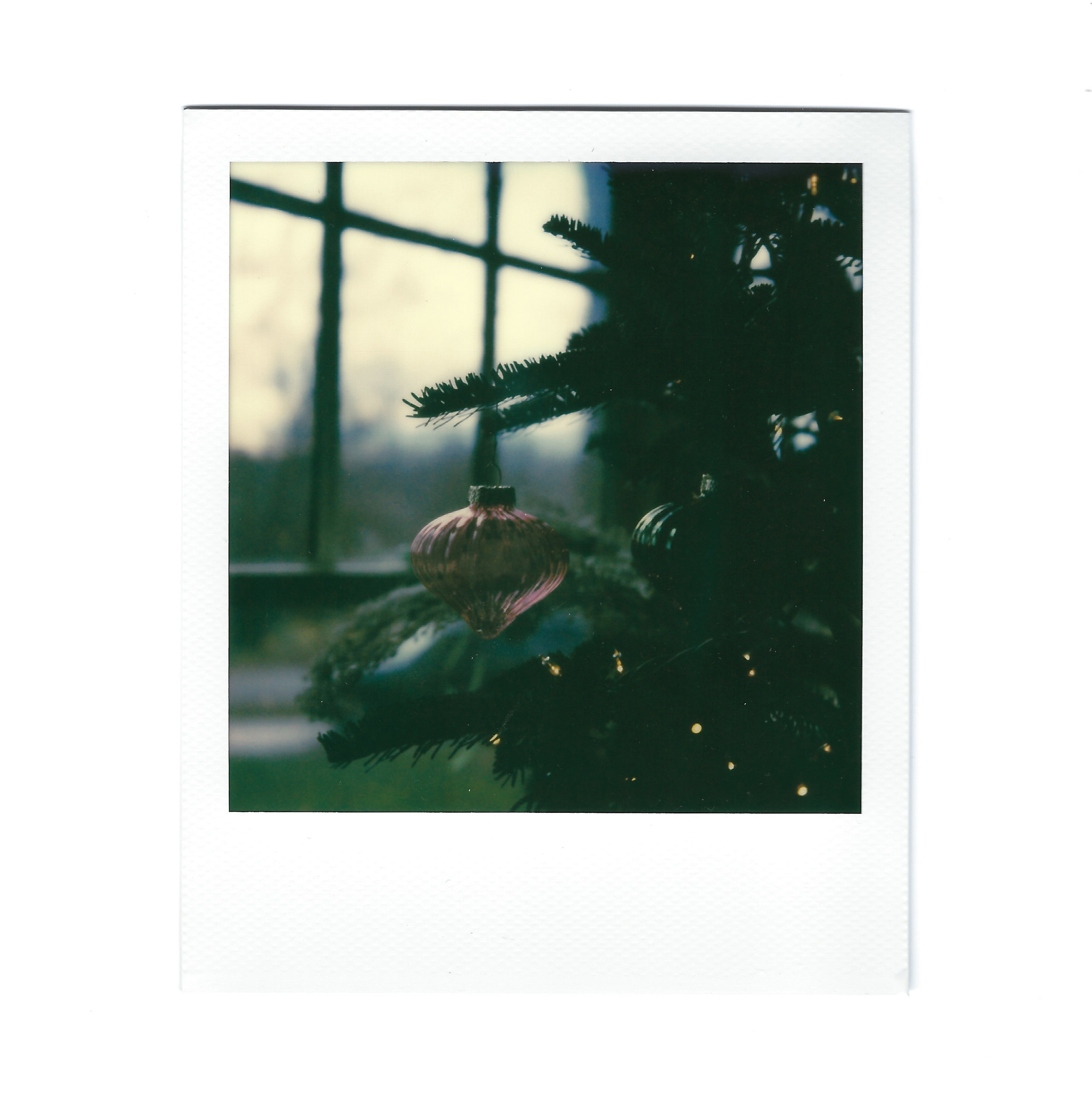 christmas-ornament-polaroid.jpg