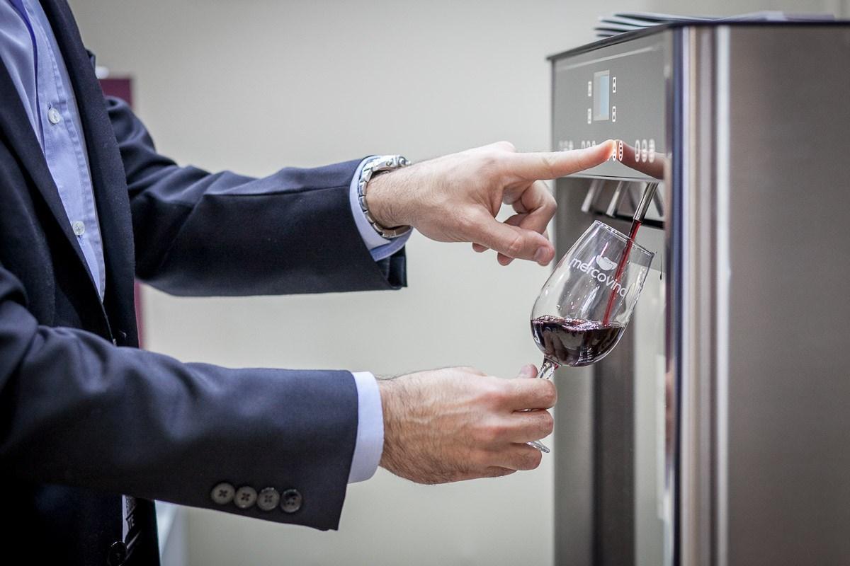 Quattro-Serve-Wine.jpg