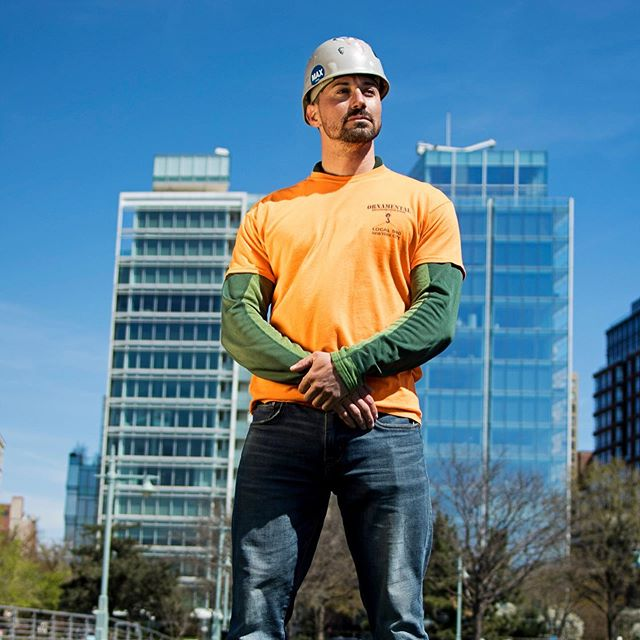 Woo! Coming to our launch today? You can meet Troy Cuevas, former marine, current iron worker and pull up champion of the skies. Swipe RIGHT to check out his vid doing pull ups 80 stories above Manhattan! Sign up for our newsletter to catch the profile piece when it goes out! - Photos by @adrianb718
