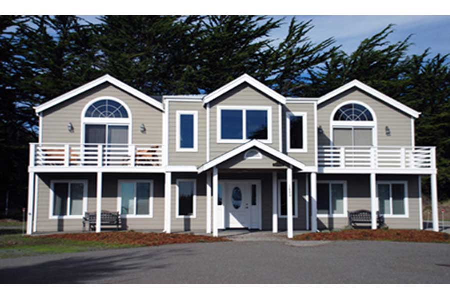 Harbor Master  -  5 bedroom getaway just an hour north of SF