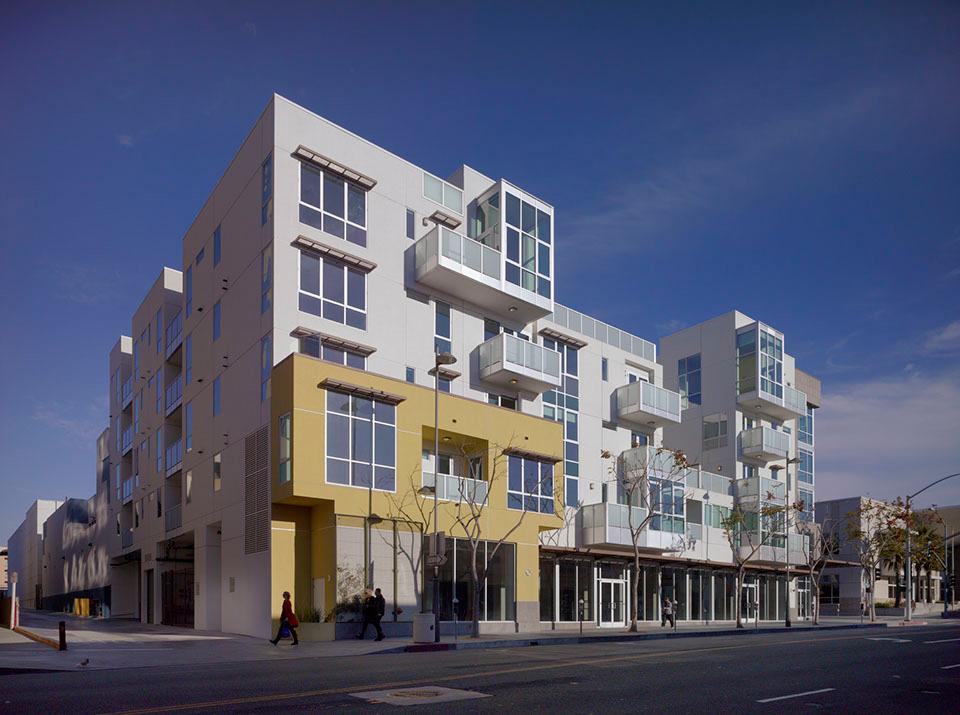 DFH-Architects-525-Santa-Monica-Mixed-Use-02.jpg