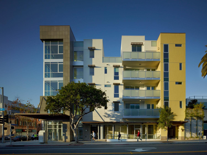 DFH-Architects-525-Santa-Monica-Mixed-Use-03.jpg