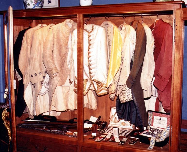 Chateau de Ravignan - Producteurs d'Armagnac - Costumes.jpg