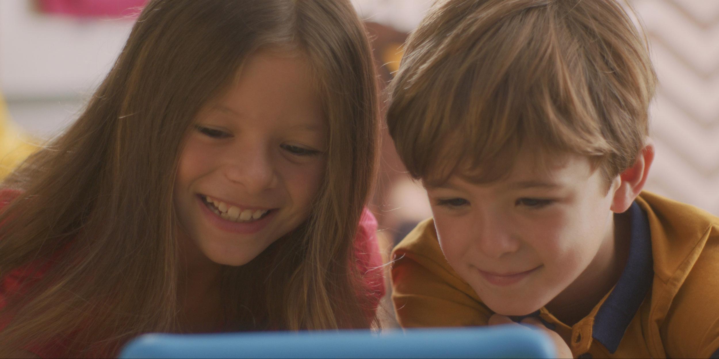 Nokia-WiFi_Spy-Kids_Still-021.jpg