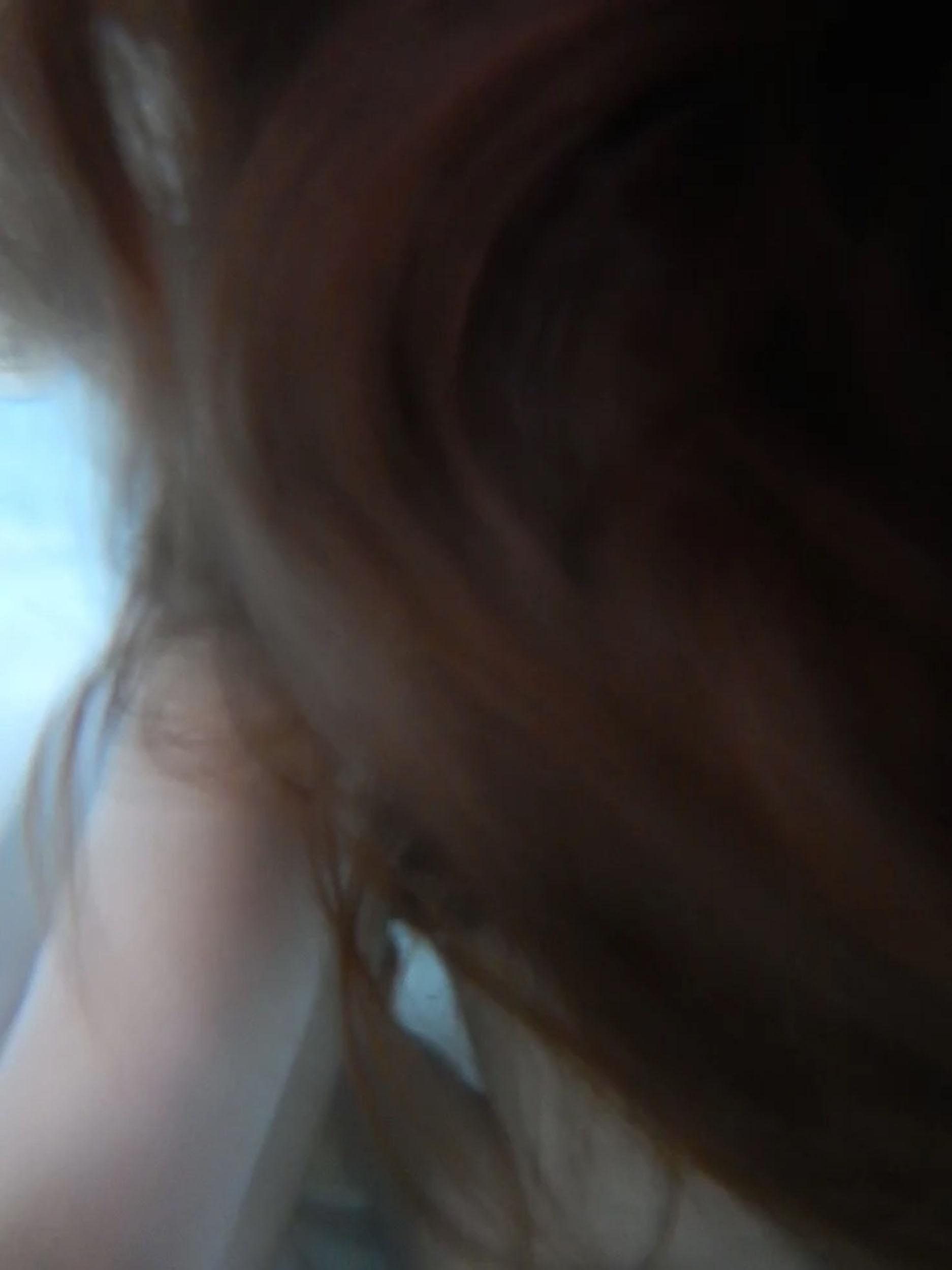 Anna Boldt serie8 haircloseup arm.jpg