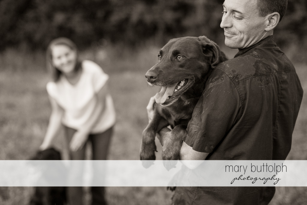 Couple spend time with their pet dogs at Lockwood Lavender Farm Engagement