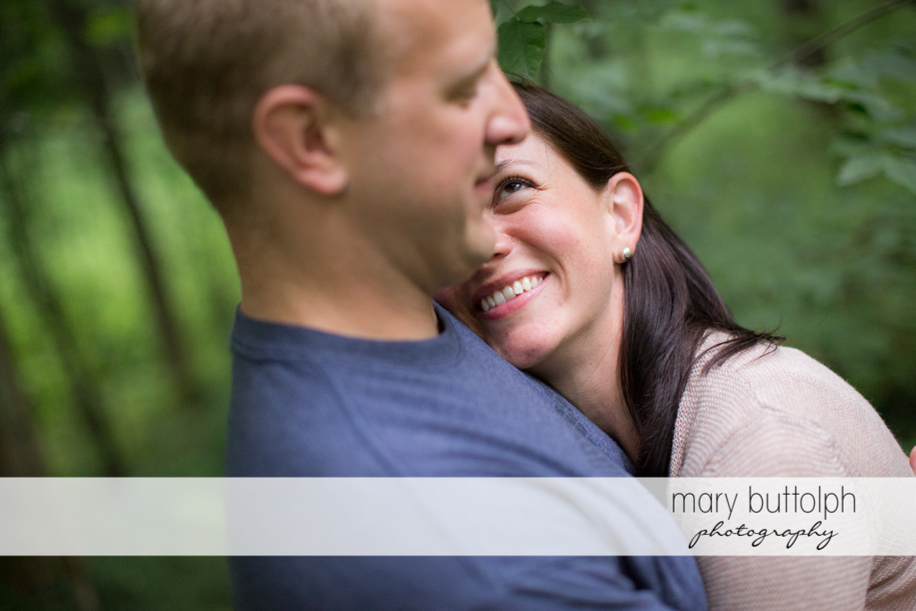 Couple express their love at Skaneateles Farm Engagement