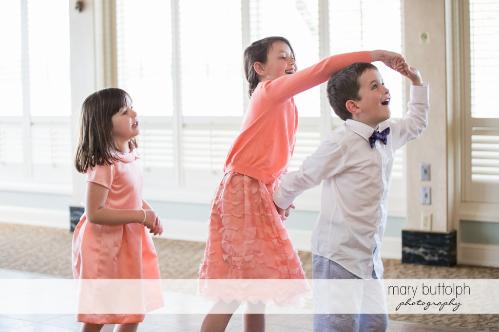 Kids having a great time at Skaneateles Country Club Wedding