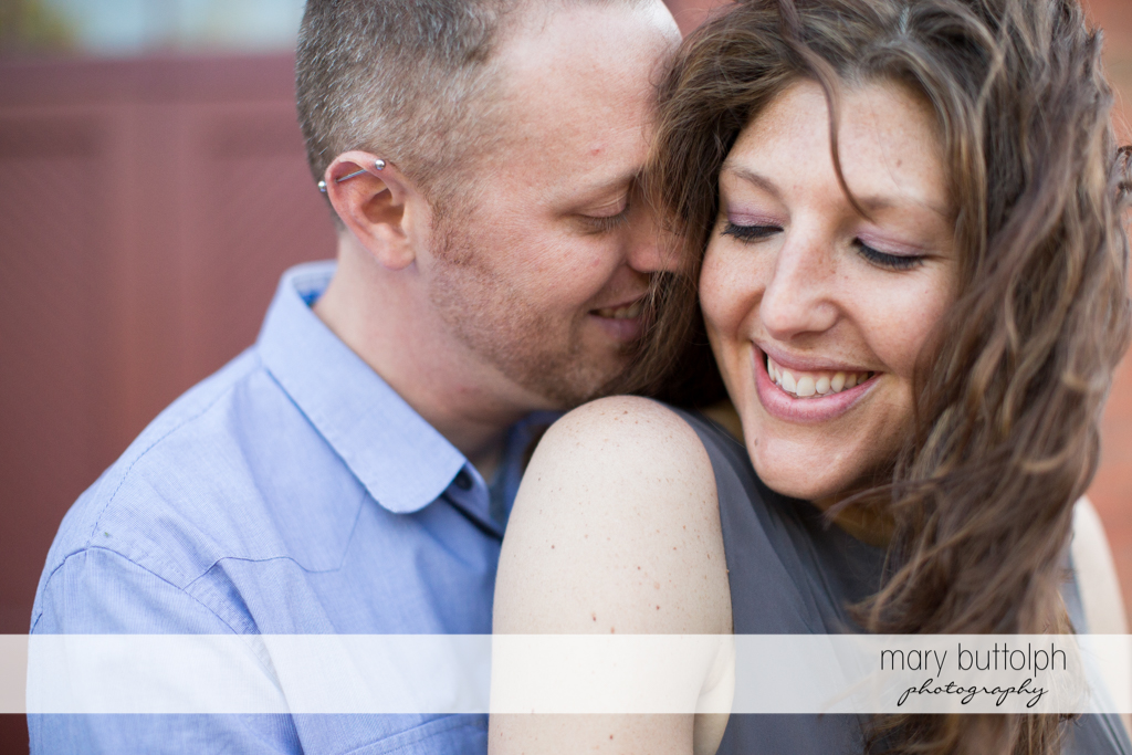 Couple show their affection at Franklin Square Engagement