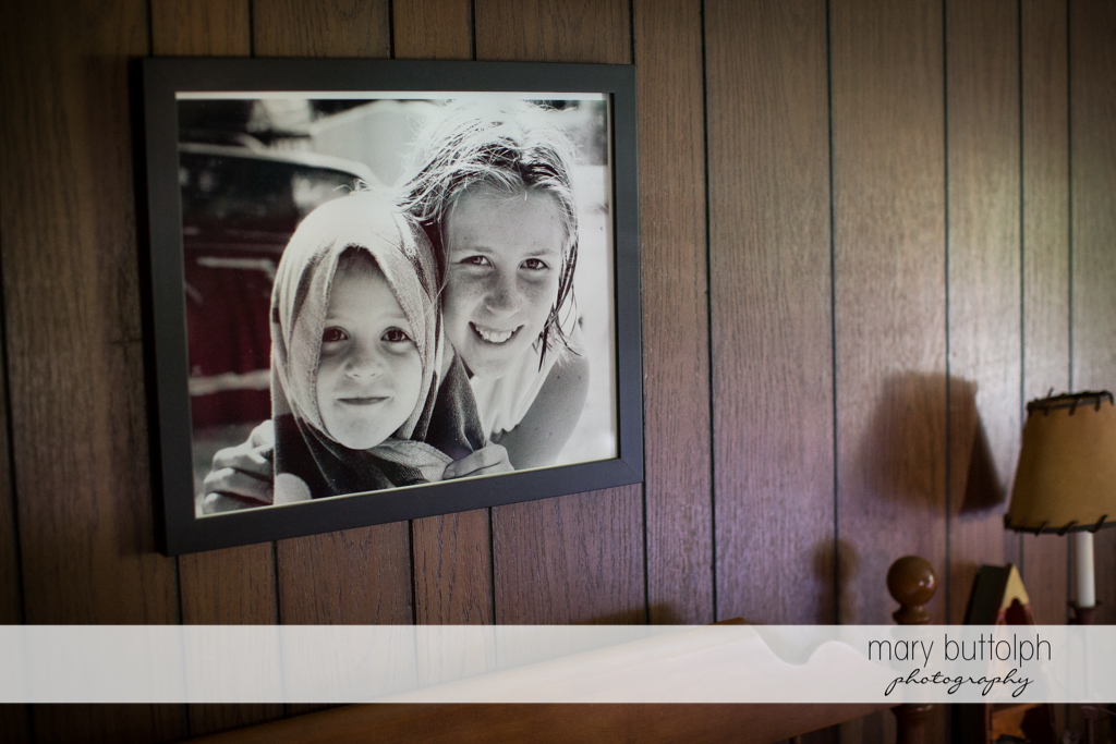 A photo hangs on the wall at the Hamilton Inn Wedding