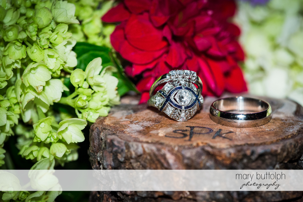 Close up shot of the couple's wedding rings at the Hamilton Inn Wedding