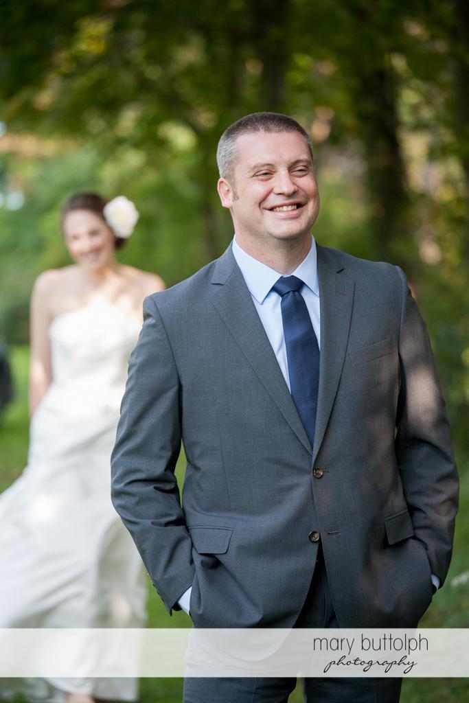 Couple in the garden at Anyela's Vineyards Wedding