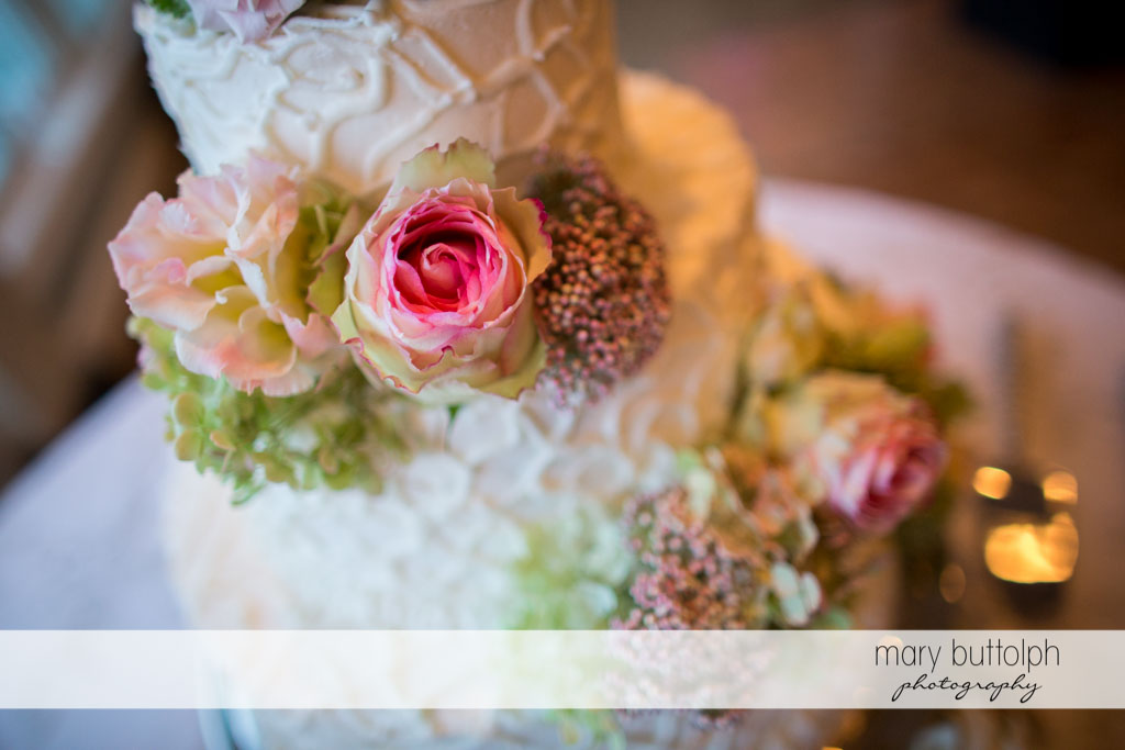 Overhead shot of the couple's wedding cake at Skaneateles Country Club Wedding