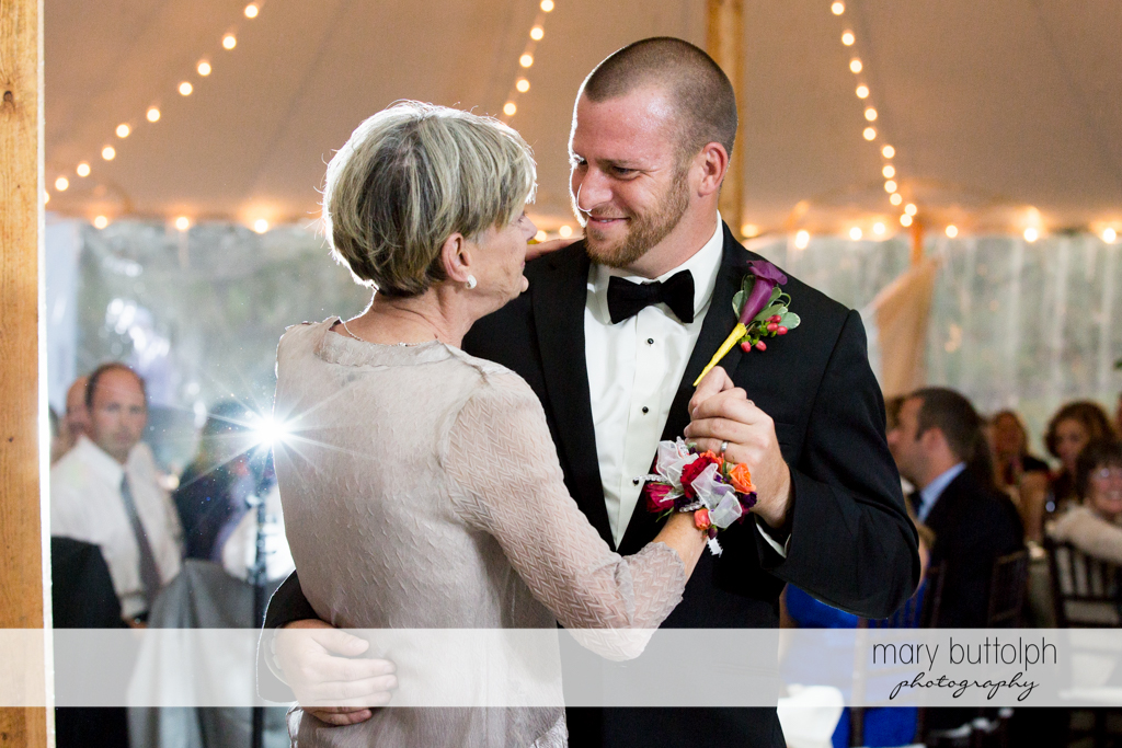 Groom dances with his mother at Anyela's Vineyards Wedding