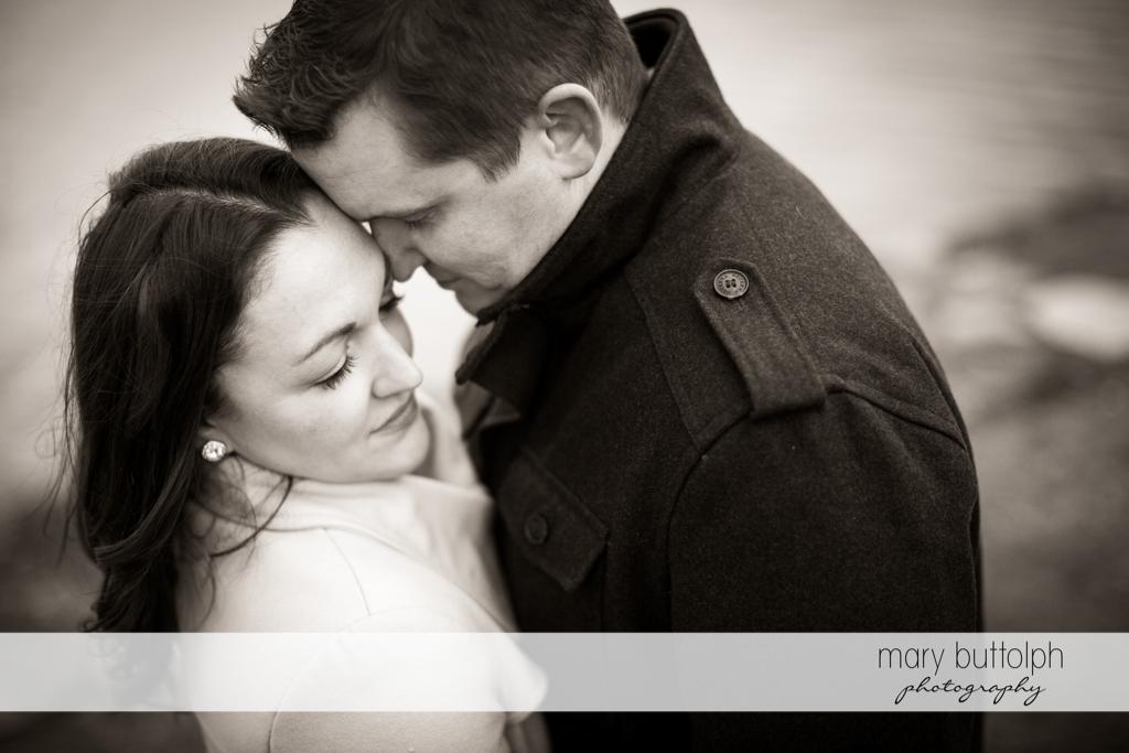 Couple get romantic at Skaneateles Engagement