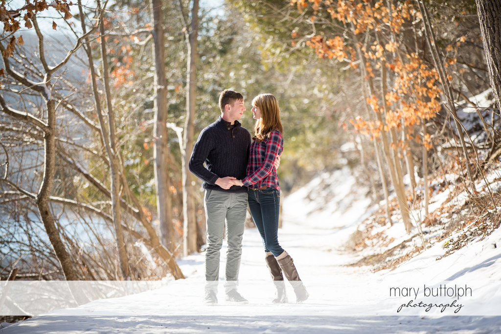 Couple stroll in winter wonderland at Green Lakes Engagement