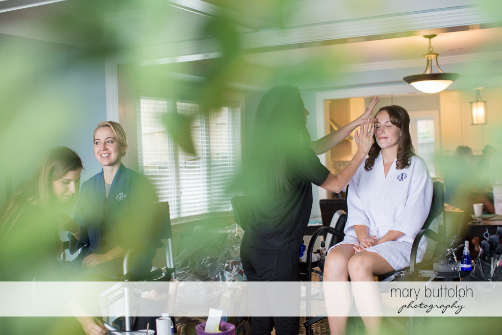 Bride gets a makeover with friends at Skaneateles Country Club Wedding
