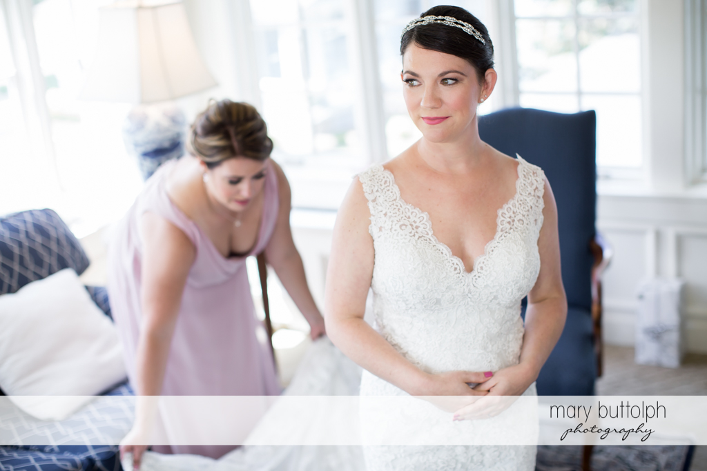 Bride gets ready for the big day at The Sherwood Inn Wedding