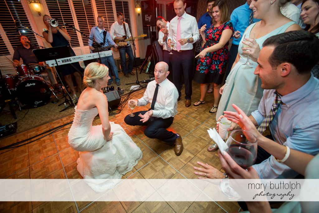 Bride and her father light up the dance floor at Skaneateles Country Club Wedding