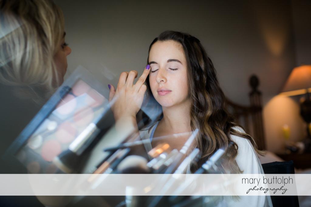 Bride gets a makeover at Aurora Inn Wedding
