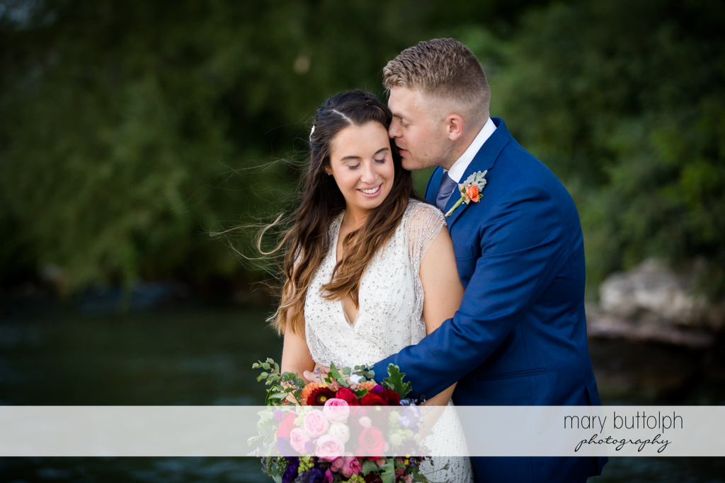 Couple express their love at Aurora Inn Wedding