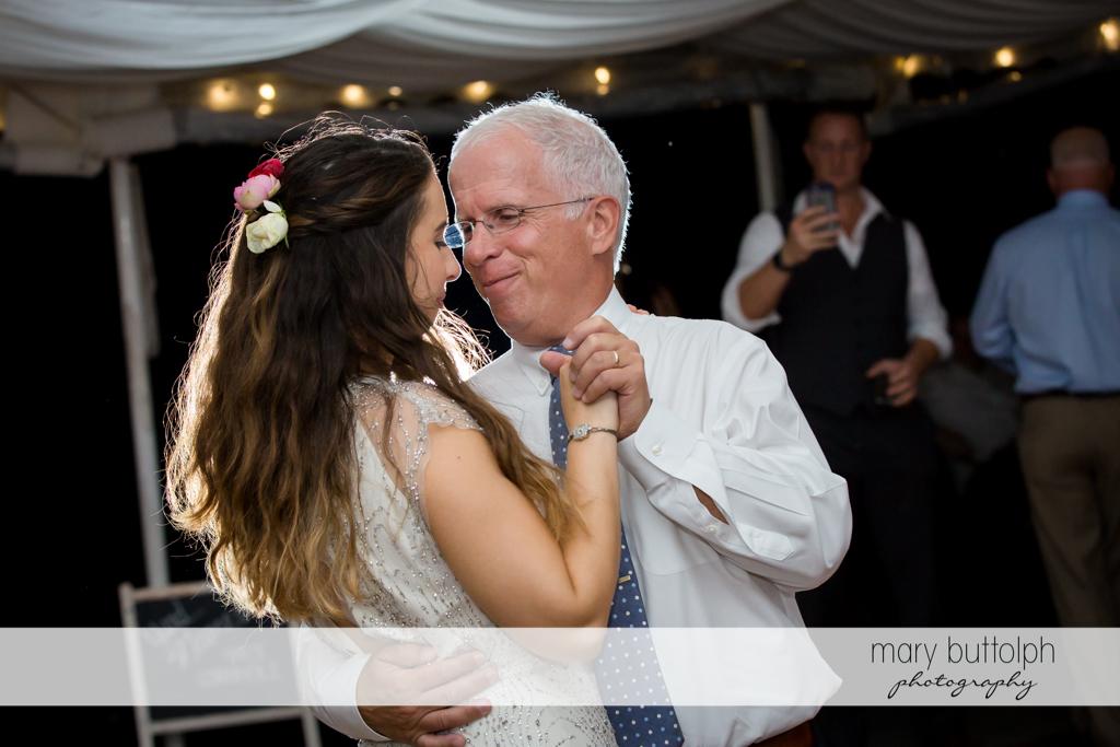 Bride and her dad dance at Aurora Inn Wedding