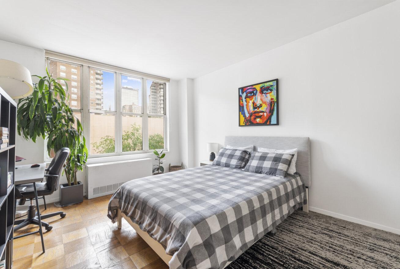 344 West 23rd Street, Unit 3B (2).jpg