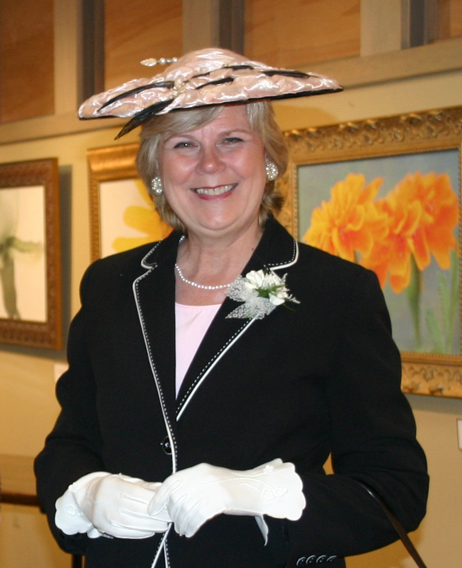 Dressed in period clothing and with the southern charm of Verna Cook Garvan, Susan Harper will tell the history and showcase the and current beauty of Garvan Woodland Gardens.