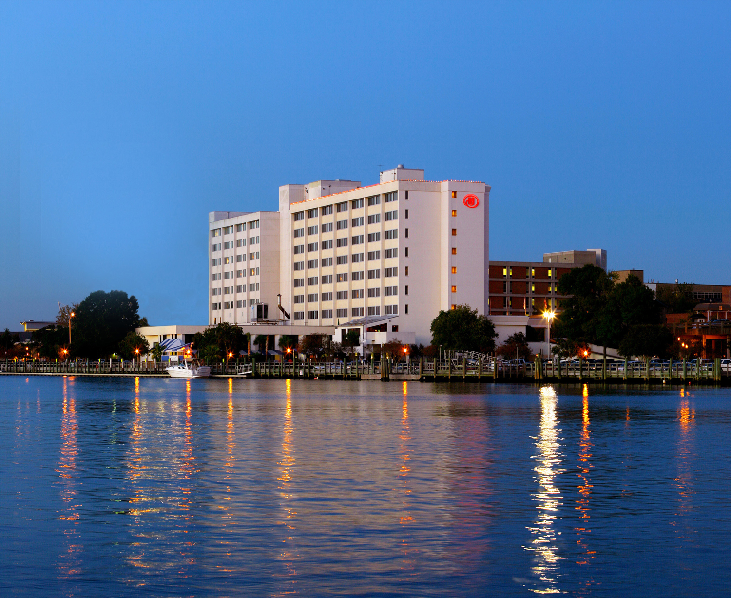 Hilton on the river1.jpg