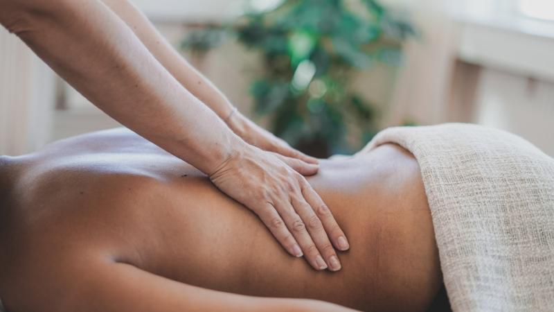 helkropsmassage - - støtter kroppen i at udrense og hele