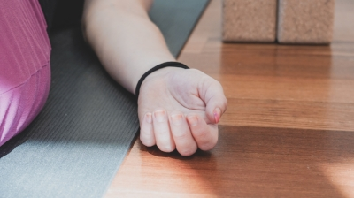 hvad betyder savasana yoga.jpg