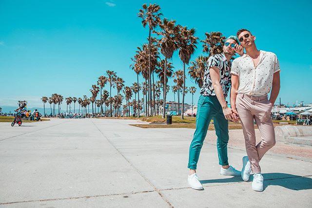 Cosmo and Wanda Vibes 📷: @davidanthonyphoto . . . . . #photography #photooftheday #mensfashion #streetstyle #ootd #fashion #model #gay #love #amazing #couplegoals #travel #blue #pink #amazing #instagay #instadaily #all_shots #instalike #primeshots #postivevibes #bestoftheday #gayboy #california #summer  #travelphotography #travelgram #swag #fashionblogger #style