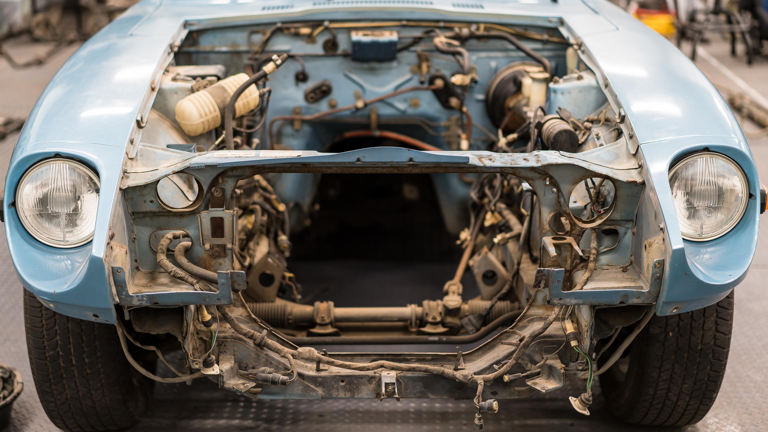 600hp v8 280z: engine bay cleanup — bad way to live  datsun