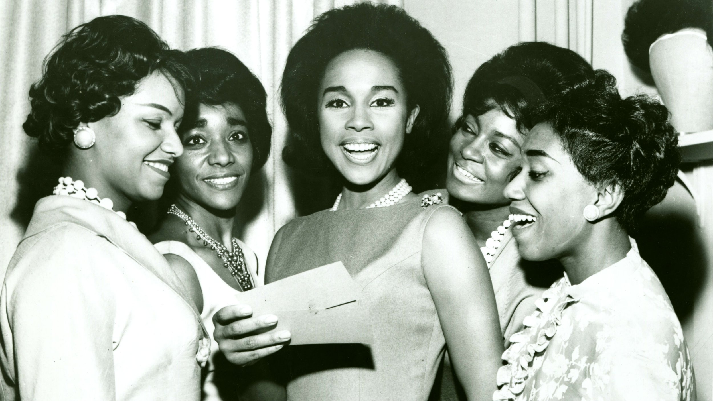 Diahann Carroll & other charm school students  Source: The Grio