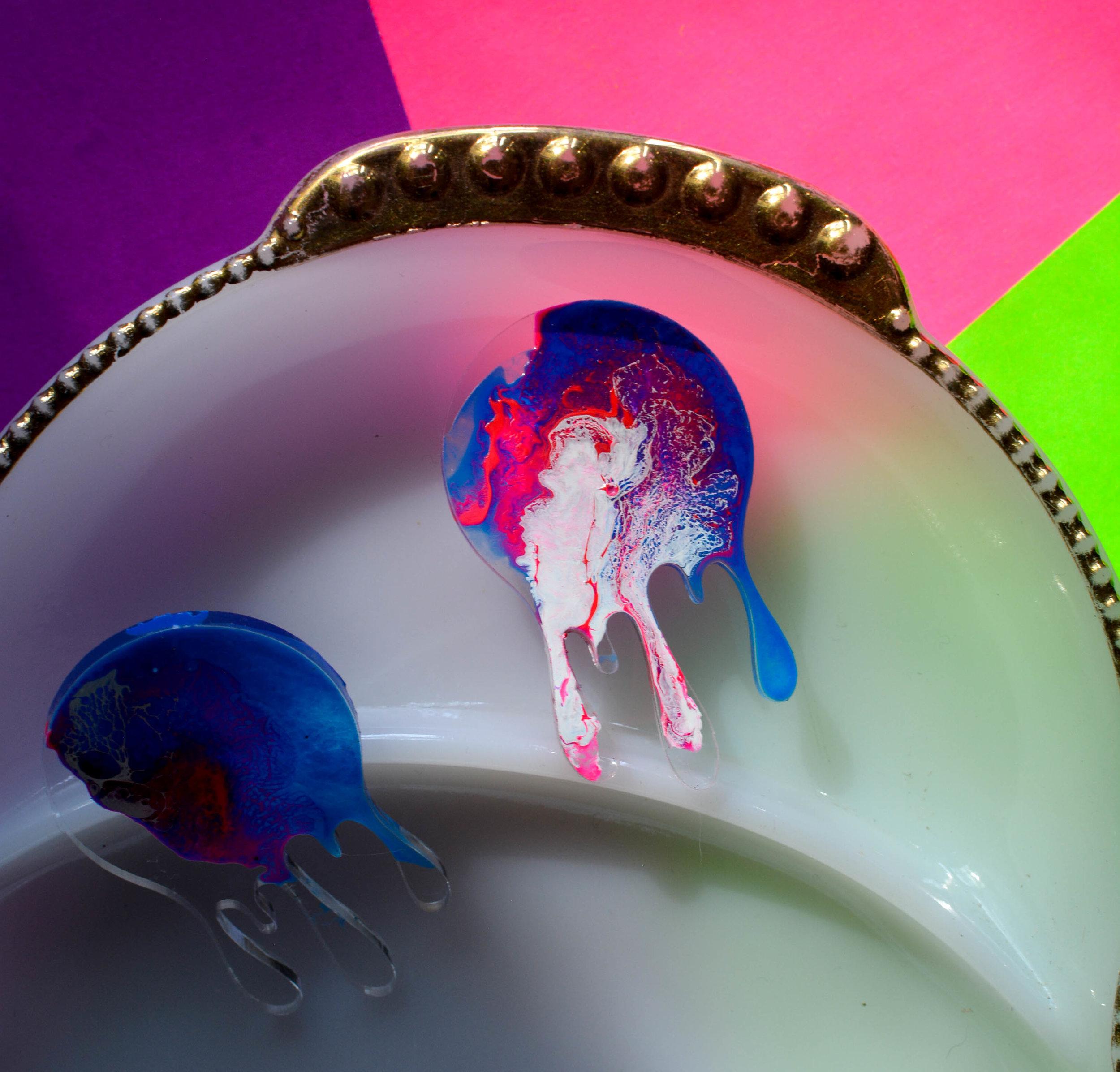 Drip Acrylic Enamel Earring pbluew
