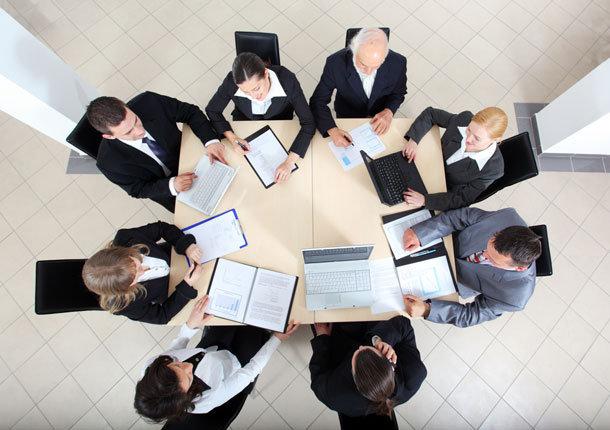 Making-A-Business-Meeting-Effective.jpeg