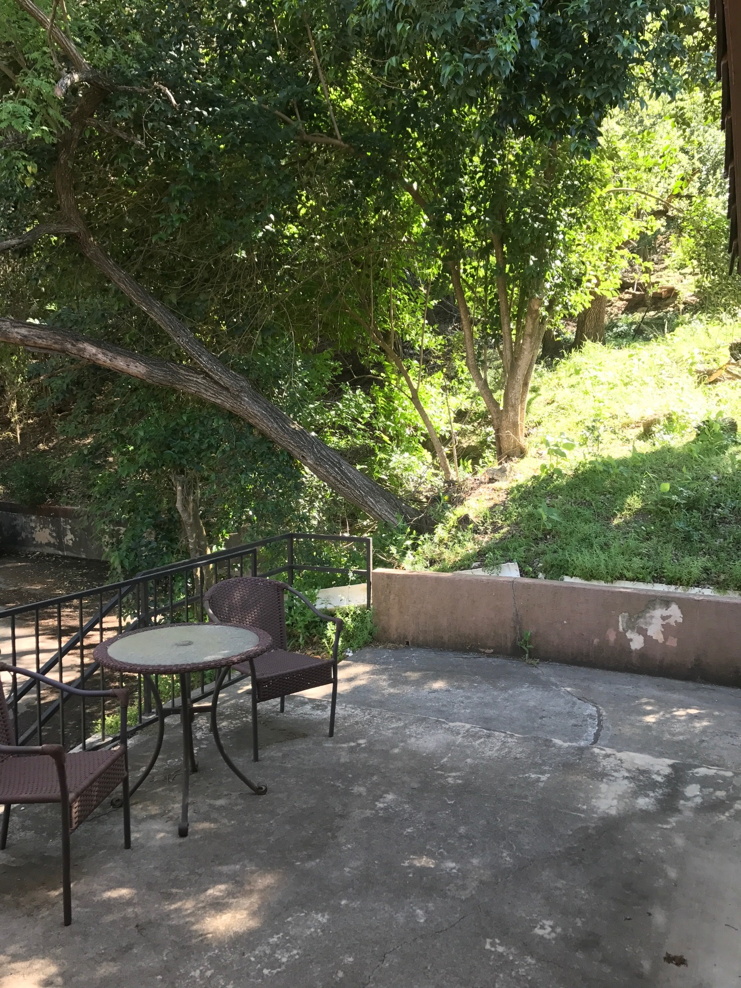 817 Ranch Road Outdoors.jpg