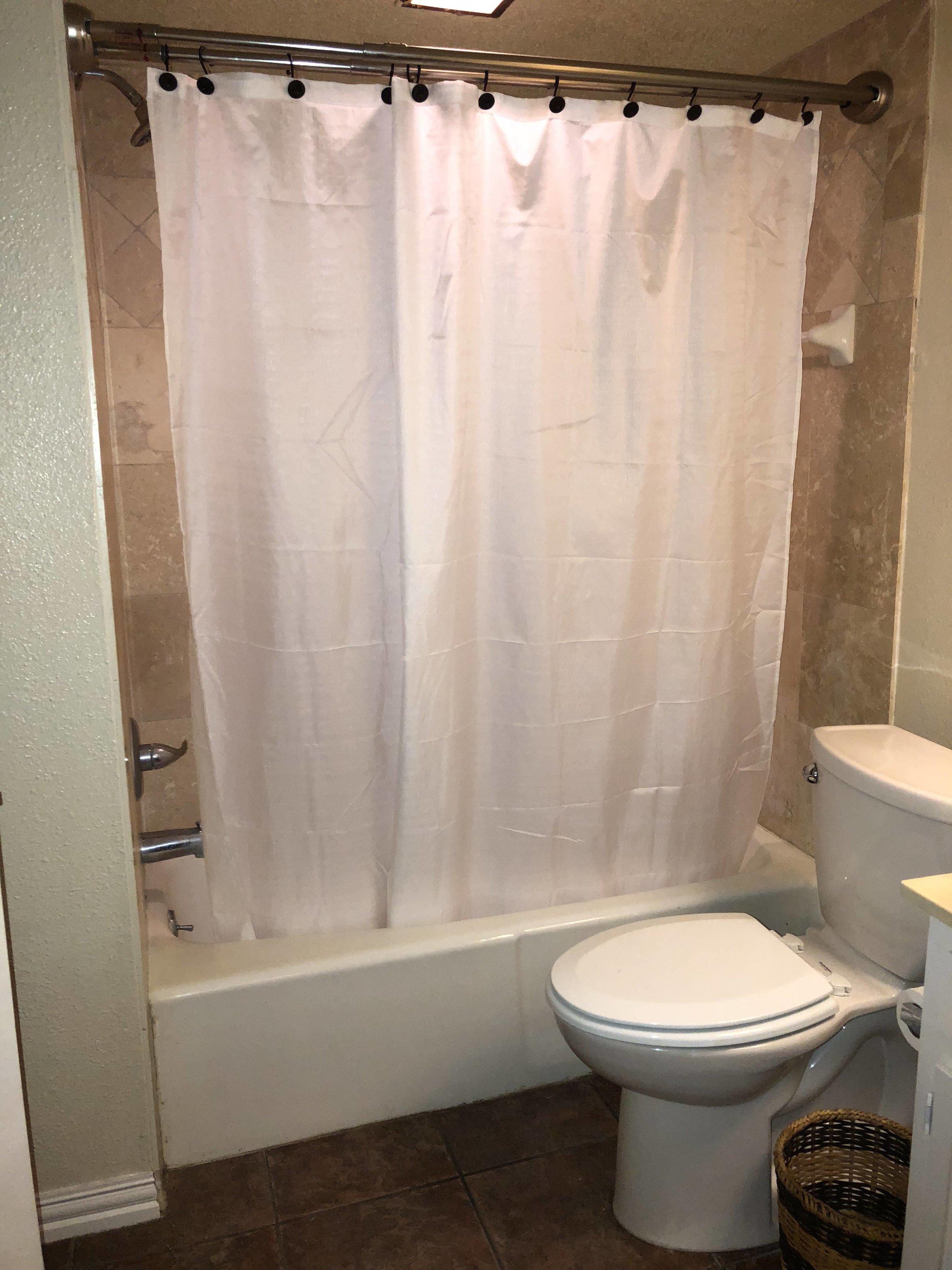 bathroom scott st 202.jpg