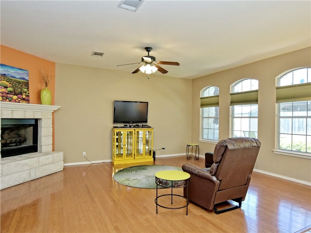 Hallshire-livingroom.jpg
