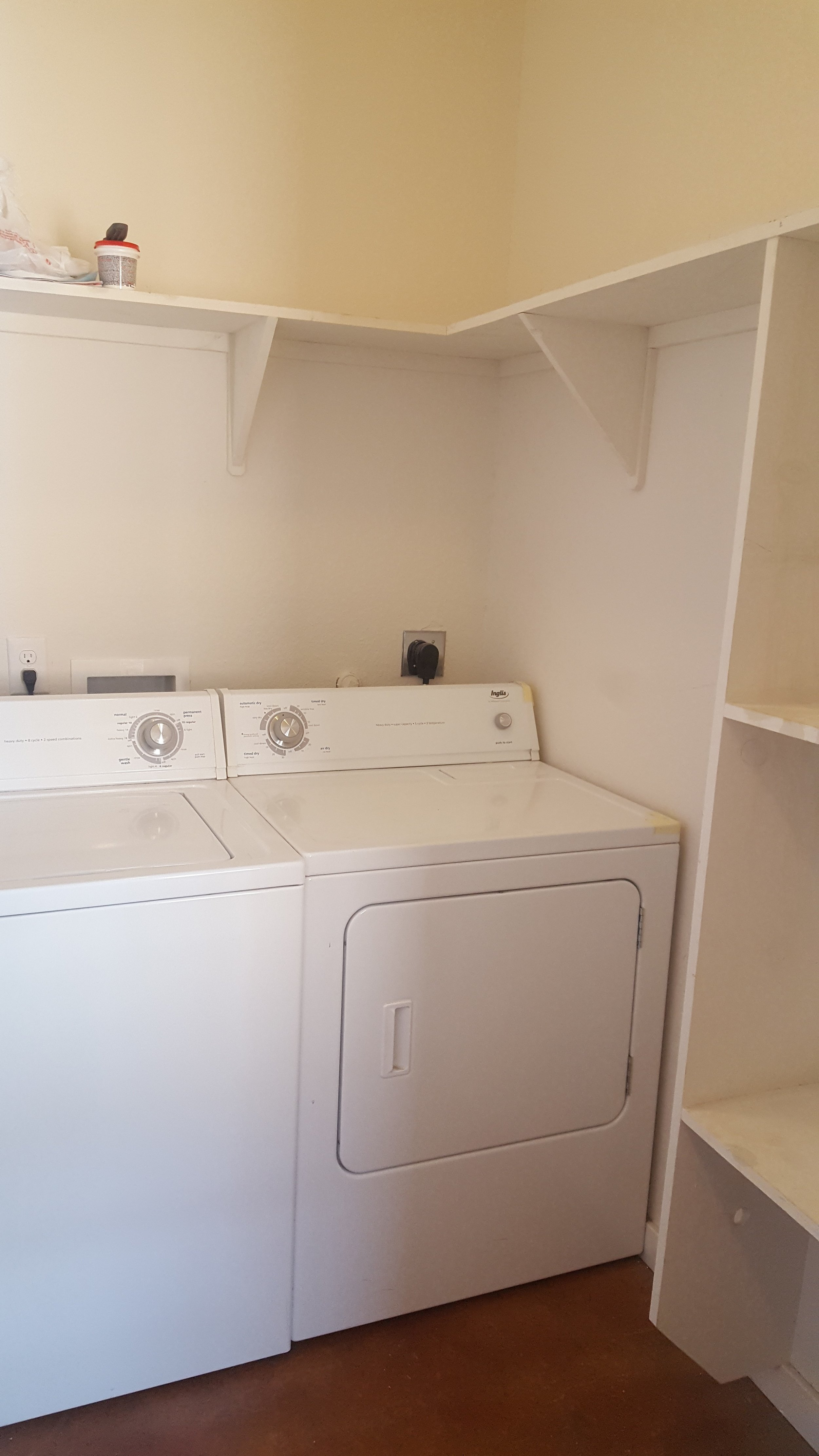 washer and dryer 1112 Jones.jpg