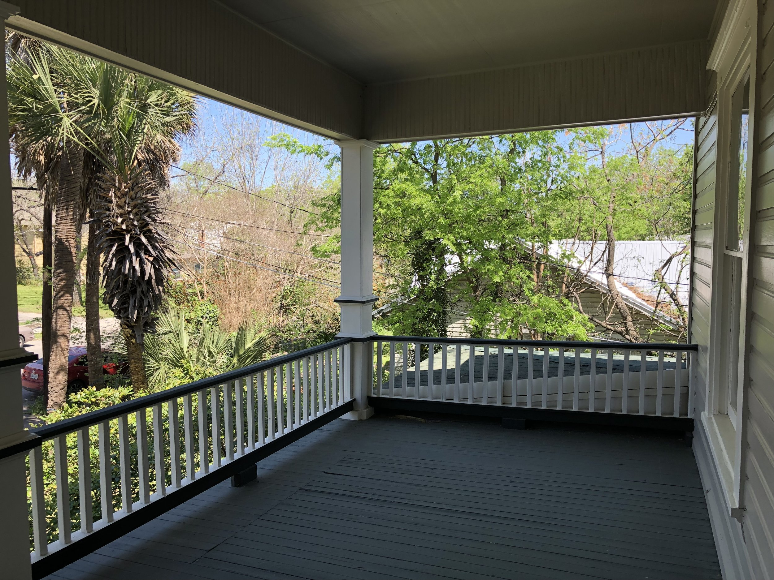 527 WSA balcony Photo Mar 26, 1 15 31 PM (1).jpg