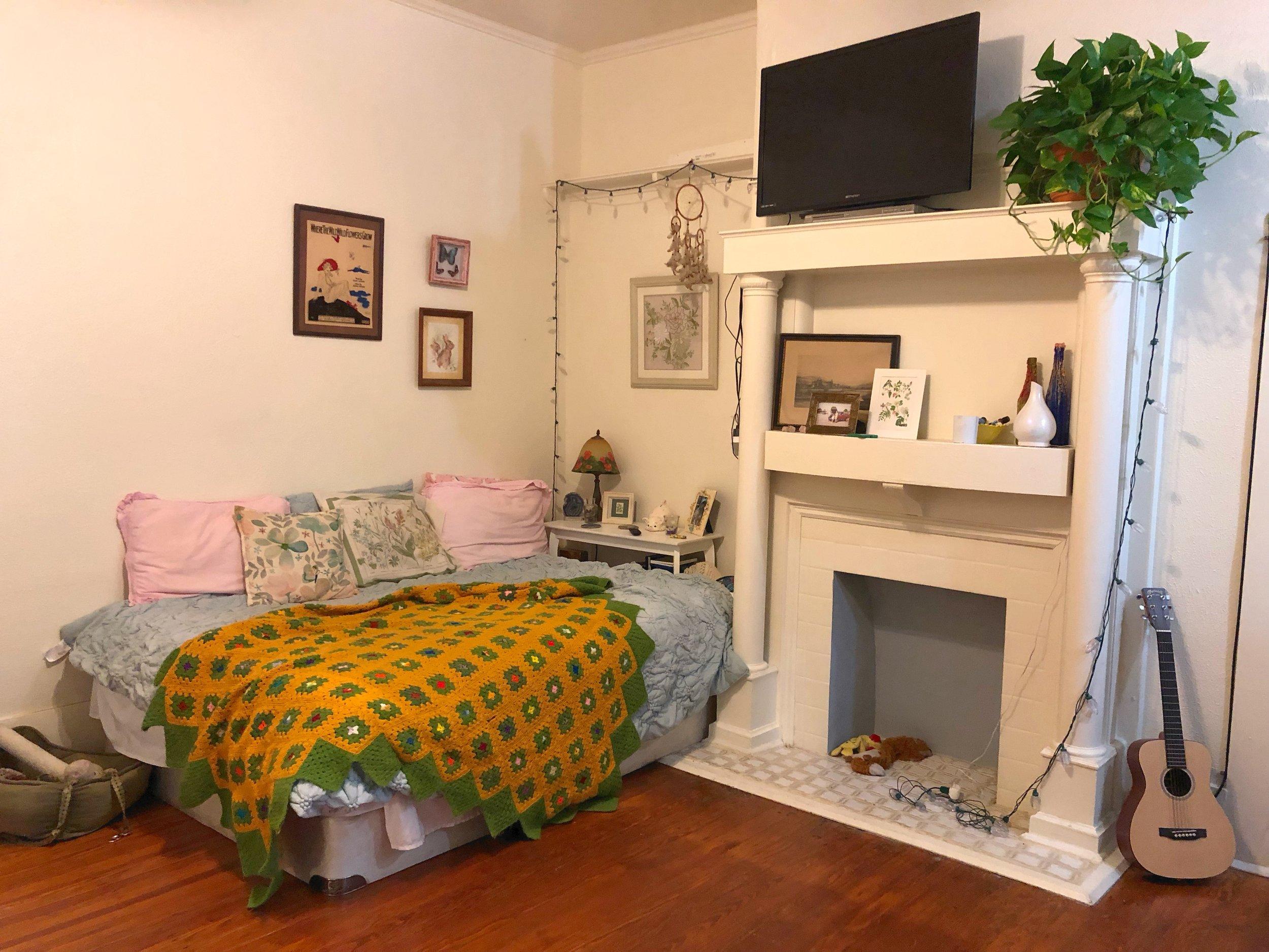 527 WSA #8 2019 Bedroom.jpg