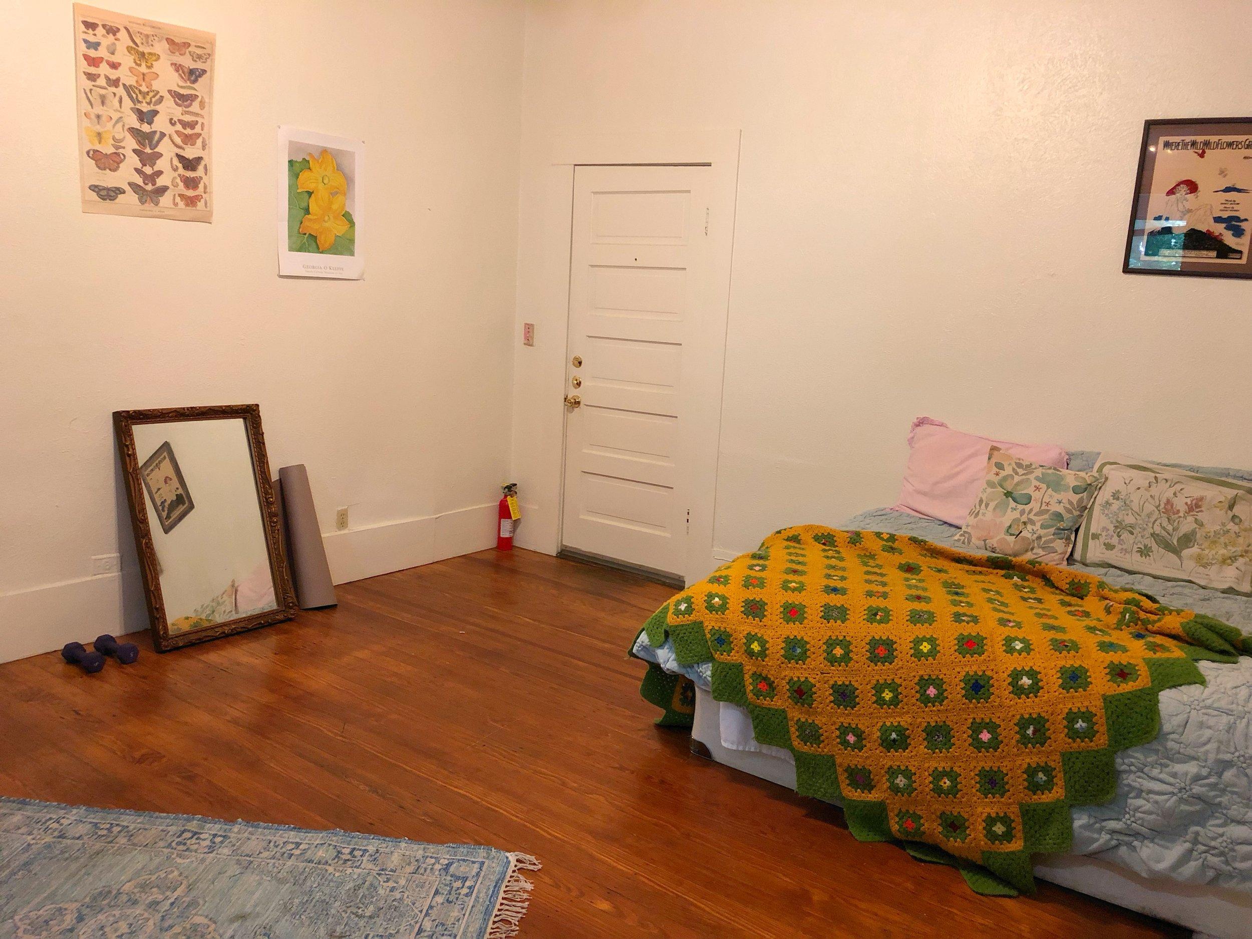 527 WSA #8 Bedroom 2.jpg