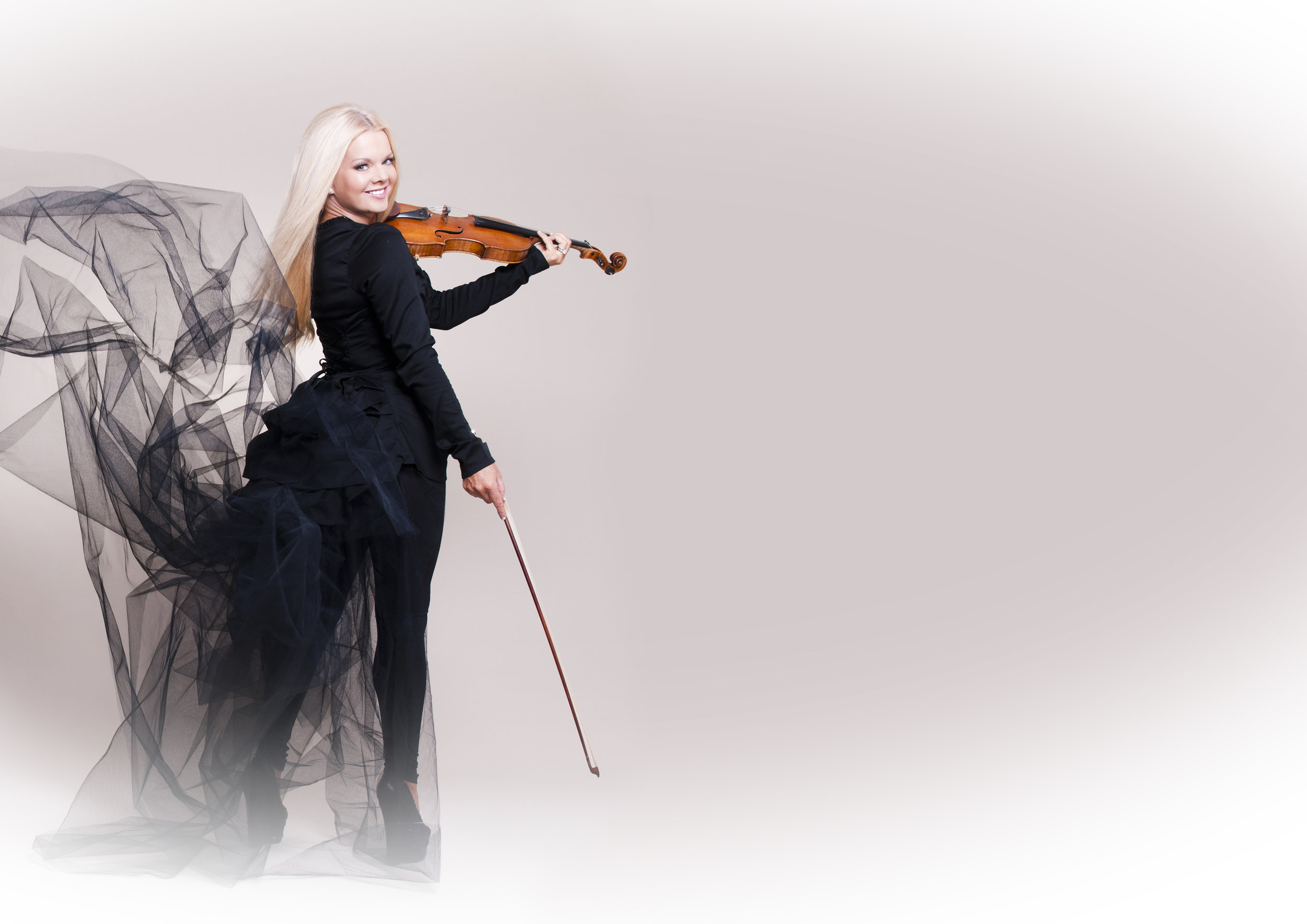 MAIREAD NESBITT - Website   |  Twitter  |  Facebook