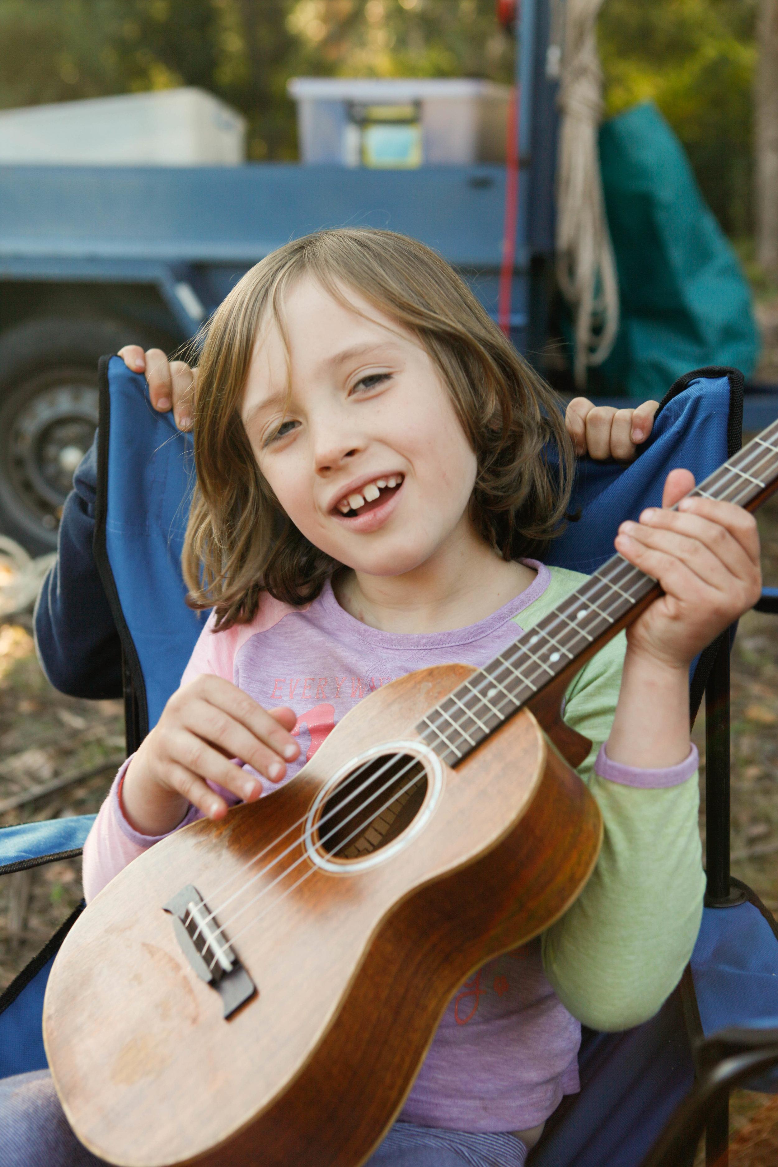 ava-singing-a-tune_17797075661_o.jpg