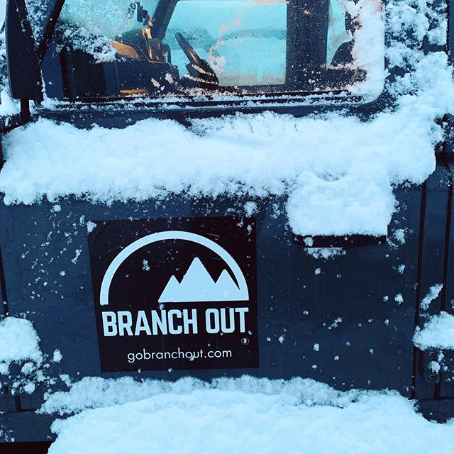 Snow, we will miss you ⛷🏂🛷! But bring on Spring and Summer! 🏕☀️🌷🌲🏄🏽‍♀️🏊🏼‍♂️🤸🏻‍♂️🚴🏻‍♂️🧗🏼‍♂️ . #allyearround #adventure #experience #outdoorsports #skiing #snowboarding #snow #rockclimbing #mtb #camping #surfing #landrover #defender #autumn #winter #spring #summer