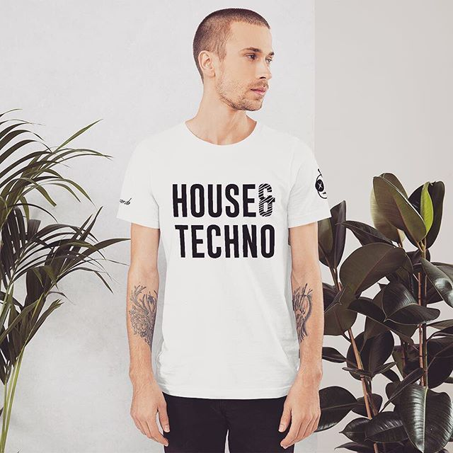 ☀️House + Techno = 🖤 Tees available in our web shop at Vudeux.com/shop. Link in bio. Enter promo code: IG10 for 10% off! #House #Techno #Vudeux 🖤 . . . #techhouse #housemusic #deeptech #undergroundhouse #deephouse #progressivehouse #minimaltechno #techno #undergroundtechno #dancemusic #electronica #electronicmusic #vudeuxrecords #undergroundmusic #clubbing #bass #basshouse #beats #grooves #music #love #play #dj #merch #independentlabel #hoodie